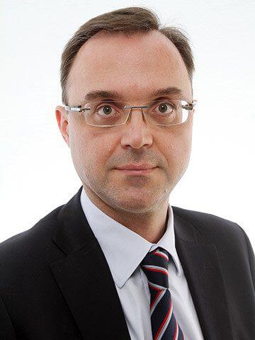 Δημήτριος Κομπόγιωργας – Νευροχειρούργος